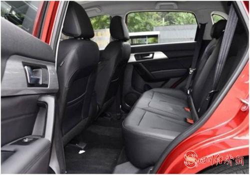 03(苏4网0425 际恒供稿)七万级SUV哪款最适合入手?哈弗H2用真实力征服你配图    图四:哈弗H2内饰.jpg