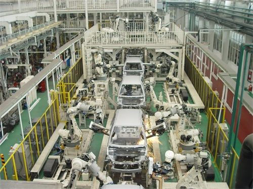12(12苏 网0529 际恒供稿)任亚辉:绿驰汽车要以高品质产品作为核心竞争力配图   图二:长安铃木第二工厂全自动化焊装生产线.jpg