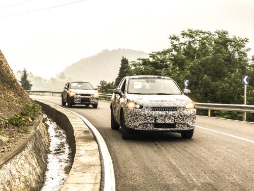 12(12苏 网0529 际恒供稿)任亚辉:绿驰汽车要以高品质产品作为核心竞争力配图   图三:绿驰汽车M500(内部代号)整车强化耐久试验.png