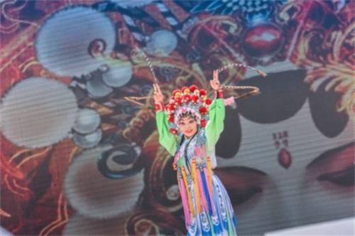 13(13苏 网0606 际恒)2019成都•城市乐跑赛欢乐起跑配图   图五:成都·城市乐跑赛.jpg