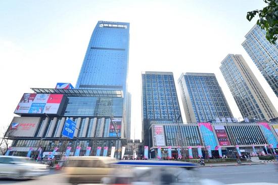 13(13苏 0709 及横沟警告)蓝润商业三大产品体系发布,为城市商业构造新空间配图    成都·蓝润置地广场 项目位于天府新区核心位置.jpg