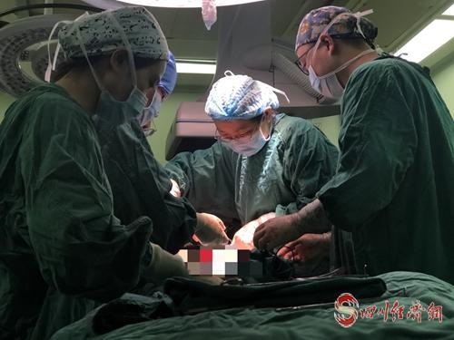 紧急手术.jpg