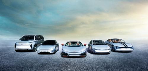 06(6刘 网 0816 际恒)稿四:前途融资租赁公司落户东疆,前途汽车开启汽车金融市场新格局配图    图三:从左至右顺序:前途Concept 2、前途K20准量产版、前途K50 Spyder Concept、前途 K25 Concept、前途Concept 1.jpg
