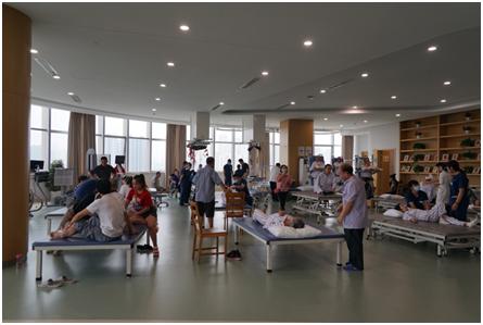 24(18刘 网  0909 际恒)康复分级诊疗探索与实践医疗论坛在蓉举行配图    活动现场 图三.jpg