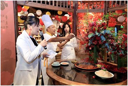 09(9刘 网 0916 际恒)一场黑科技×美食的狂欢,在成都香天下紫荆店上演配图    活动现场 图三.jpg