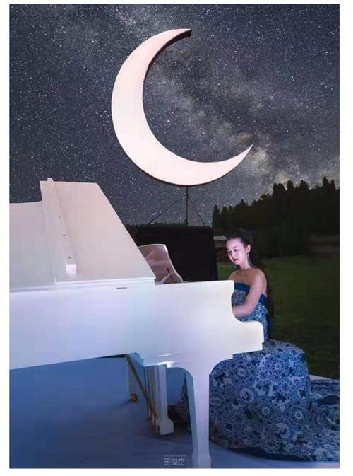 06(6胡 网 0917 际恒)顶级艺术家助阵,《仙女山的月亮》唱醉中秋夜配图    音乐会现场 图三.jpg