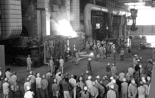 2.1995年8月,国际领先的转炉提钒投产.jpg