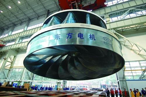 東方電氣為三峽電站研制的700兆瓦三峽轉輪.jpg