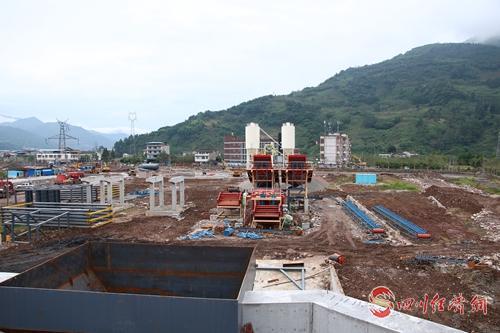 13 开全新型装配式建材项目厂房建设中.jpg
