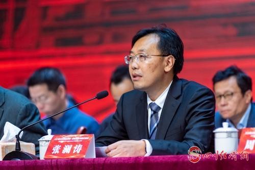 24、省委教育工委委员、省教育厅党组成员、副厅长张澜涛出席大会并讲话(余晋摄).jpg