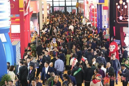 31(网)一年一度的春糖定了!第102届全国糖酒会明年3月26-28日在蓉举办配图    历届春季糖酒会盛况.jpg