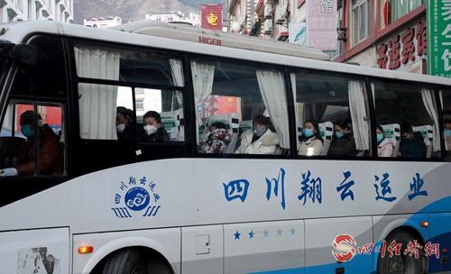 0225_1恢复运营的客车.jpg