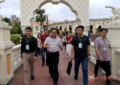 29(网)(11号消息)死海配图    媒体代表走进中国死海旅游度假区.jpg