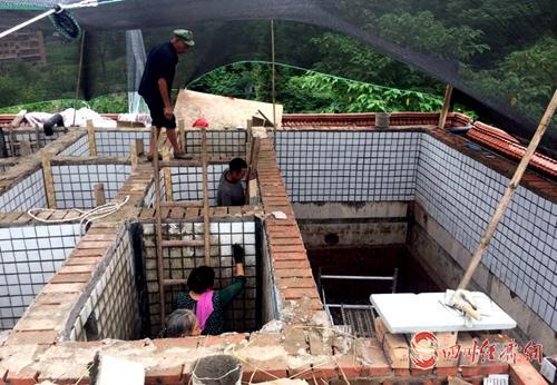 15(网,app)宣汉县全面打响整治场镇饮水问题攻坚战配图   对供水设施进行改造.jpg