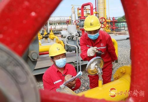23(网)截至5月底 中国石化西南石油局配图   中国石化西南石油局采气四厂生产现场2.jpg