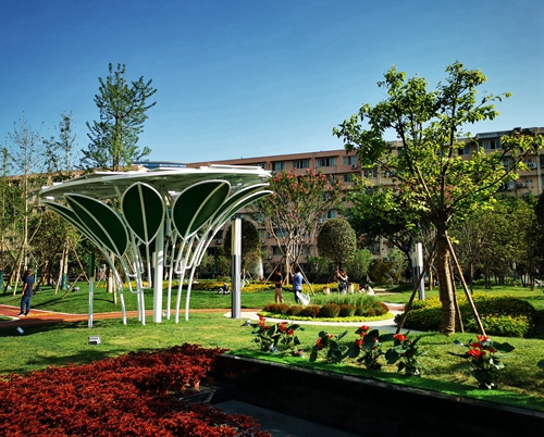 十一科技广场花园--光伏树.jpg